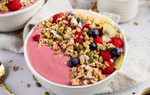 Carman's Raspberry & Coconut Low Sugar Granola Smoothie Bowl